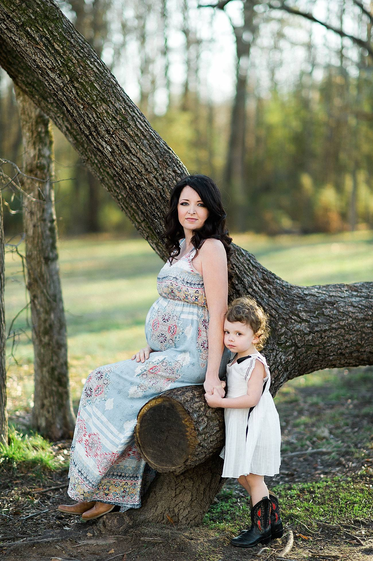 photo of a pregnant mother with her child at Westminster Park, Rock Hill, SC
